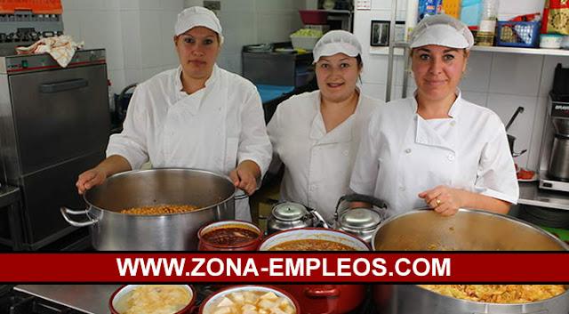 SE BUSCA AYUDANTE DE COCINA PARA RESTAURANTE