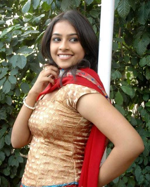 Latest pictures Sri Divya