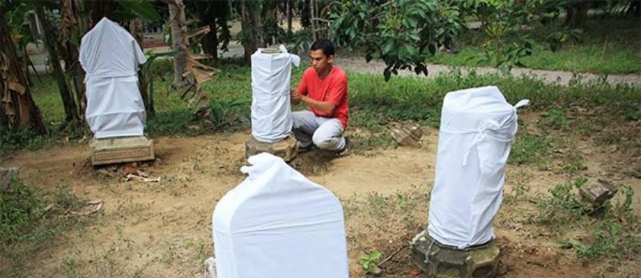 Tahukah Kamu, Hukum Mengafani Nisan Kuburan?