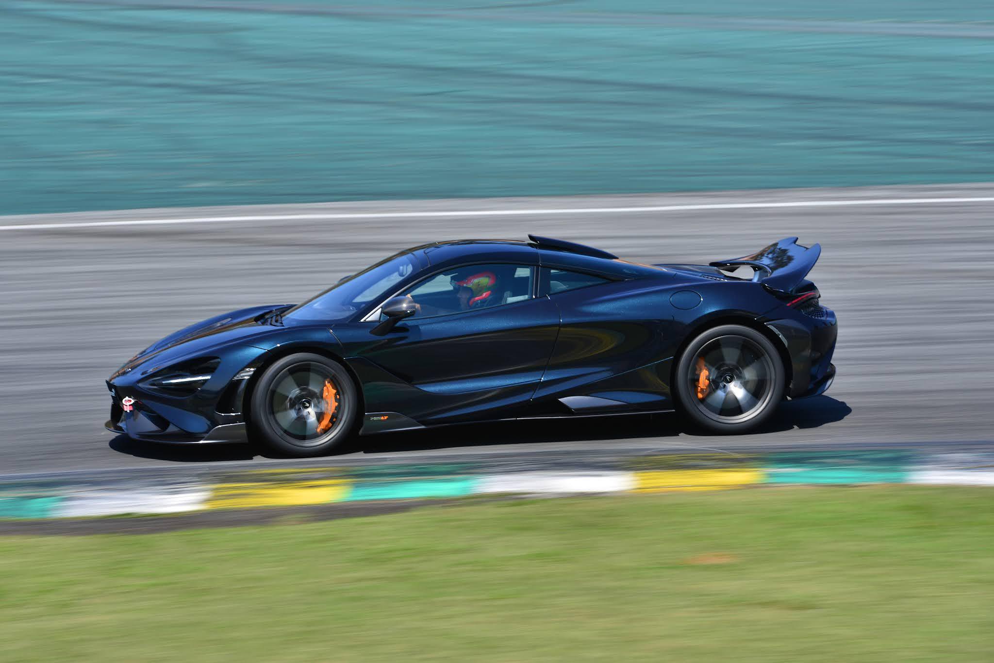 McLaren Academy Porto Seguro Proporciona Experiência de Pista em Interlagos