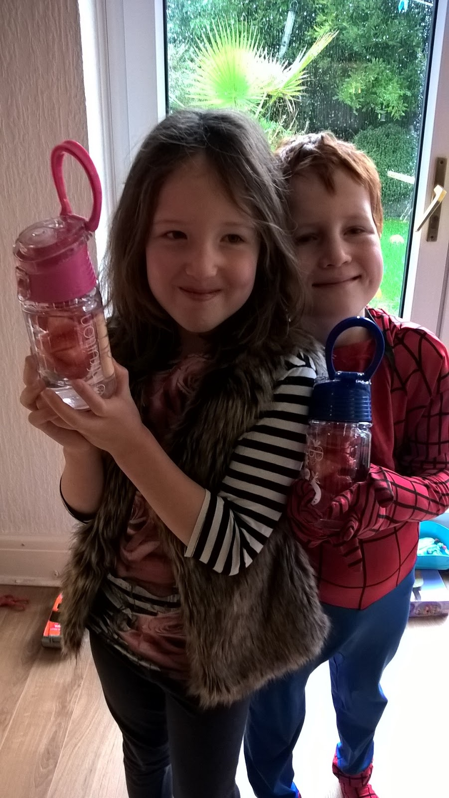 Caitlin & Ieuan trying out Infruition Water Bottles