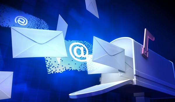"""Đăng kí email tên miền miễn phí: Bước đi khôn ngoan hay doanh nghiệp đang bị """"dắt mũi""""?"""