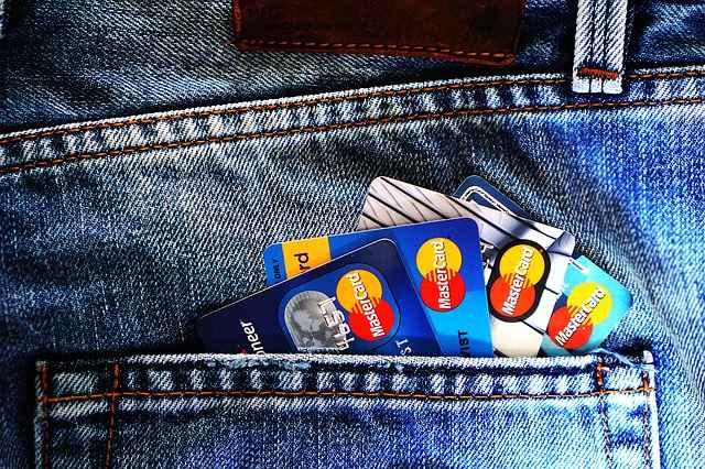 एक्सिस बैंक क्रेडिट कार्ड | भारत में एक्सिस बैंक क्रेडिट कार्ड ऑनलाइन आवेदन करें Axis Bank Credit Card | Apply Axis Bank Credit Card online in India