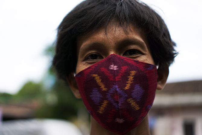 Masker kain tenun Troso Jepara