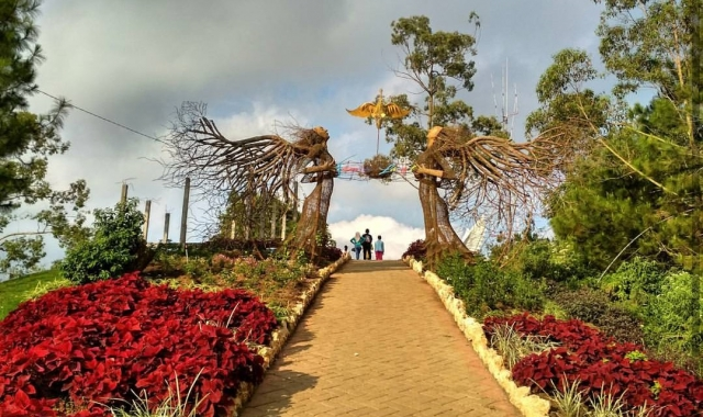 The Enchantment of the Instagrammable Beauty of Malang Sky Park