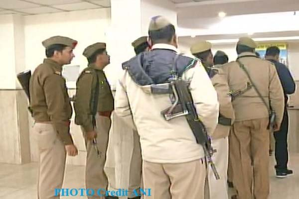 greater-noida-news-women-and-daughter-found-dead-doubt-on-son