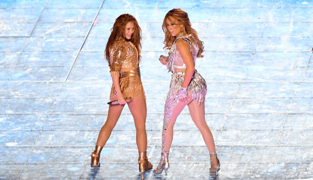 Last Sunday, Latin artists Shakira and Jennifer López dazzled in the show that enlivens the break of the NFL Super Bowl, the biggest sporting event in the United States.  However, a radical right-wing American activist, Dave Daubenmire, did not share the general euphoria. Moreover, he declared that the show was discriminatory against the Christian community, because religious people should have had the possibility of enjoying the sporting event without being forced to see something that conflicts with their moral values.