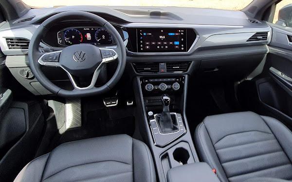 Volkswagen Taos Highline 2022 - interior - painel