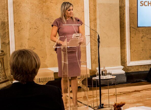 Queen Maxima wore a natural ruffled wool crepe dress from Bottega Veneta. Bottega Veneta rose ruffled wool crepe dress