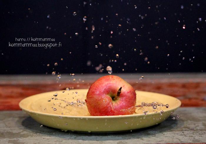 valokuvauskurssi omena veteen pisarat pysähtynyt liike jalusta