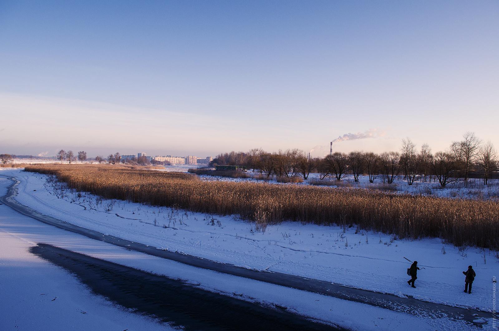Река Ижора зимой