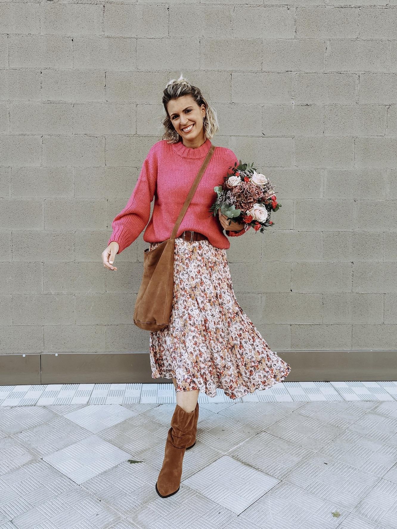como llevar falda flores en otoño