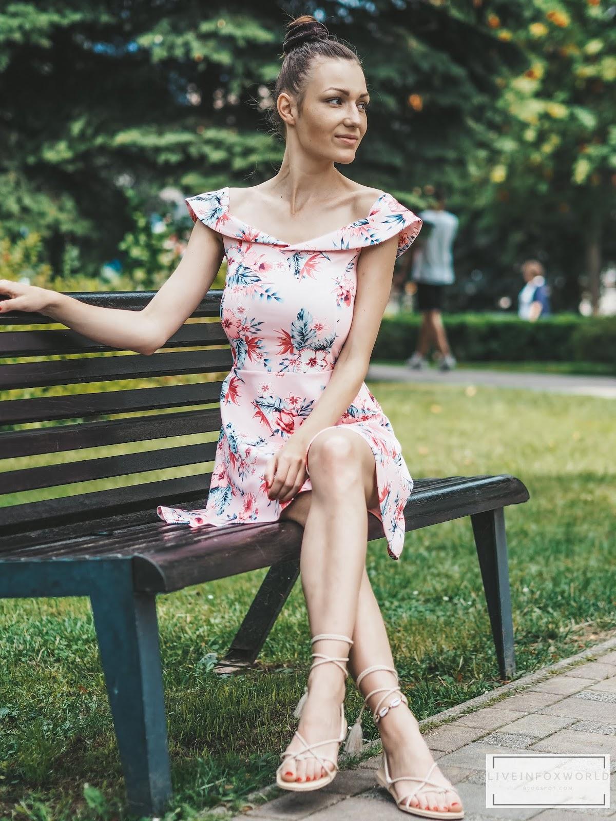 šaty carmen z bonprix s kvetinovou potlačou