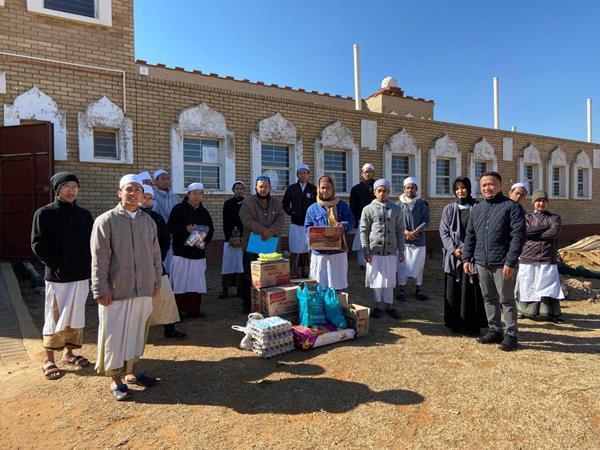 Jelang Idul Adha, KBRI Pretoria Salurkan Hewan Qurban dan Bantuan Logistik