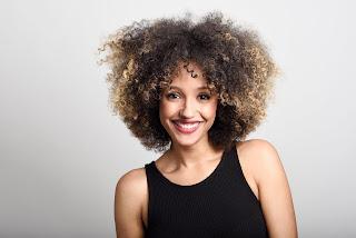 Óleo de coco: Conheça os benefícios para o cabelo