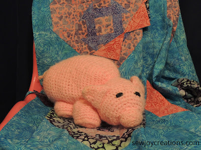 crochet pig Love and Kisses fabric