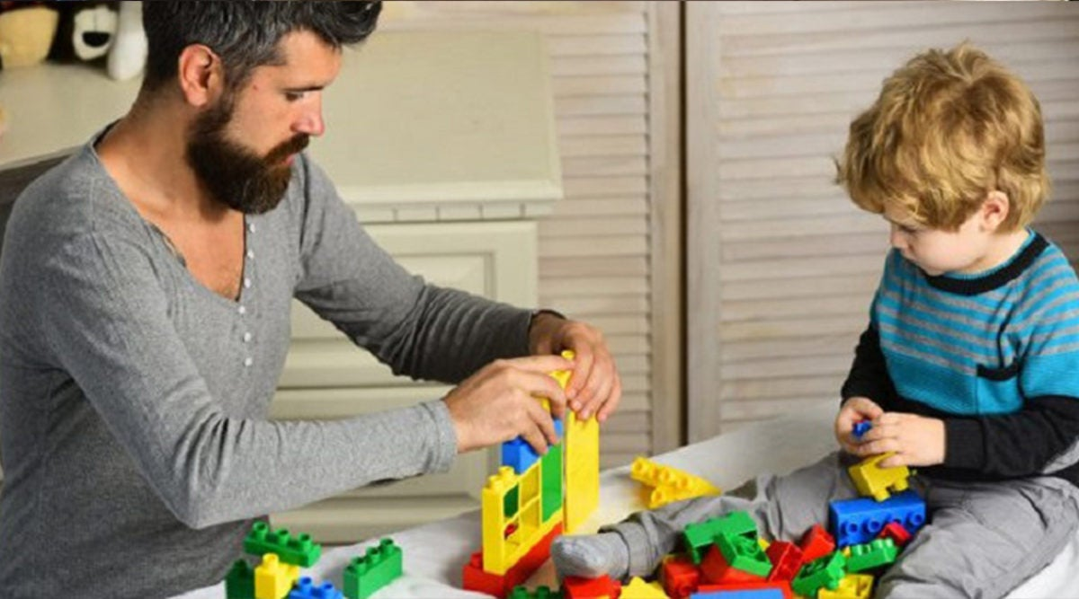 Pediatricians Recommend Giving Children Simple Toys Instead Of Tablets And Electronics