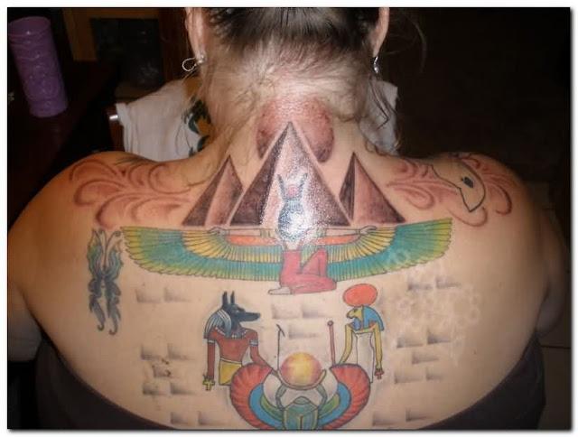 Colorido Egipcio Tatuagens Nas Costas