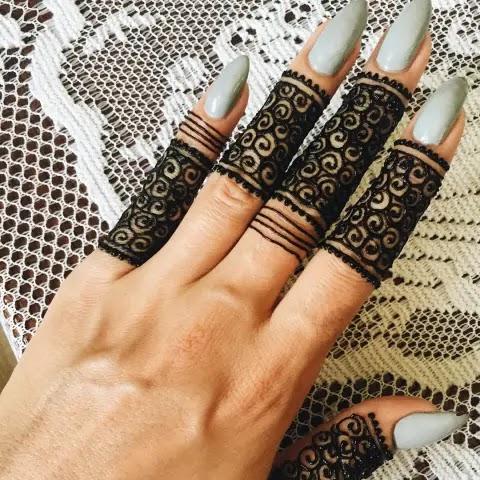 jewellery-finger-henna