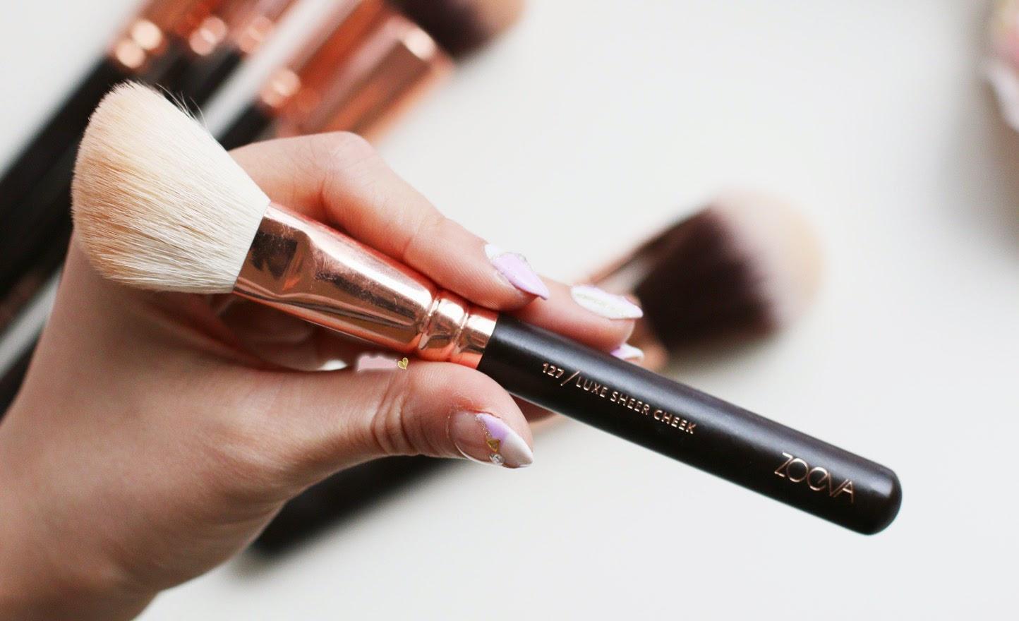 Zoeva Rose Gold 127 Luxe Sheer Cheek Brush