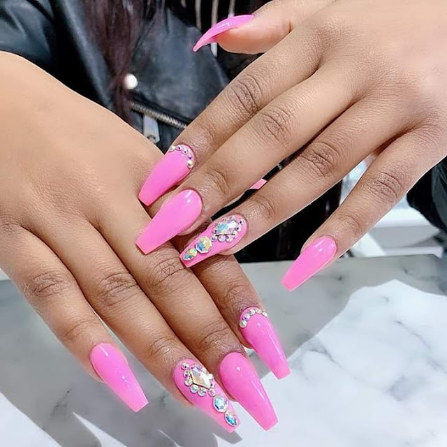 2019 Beautiful Nails to Rock