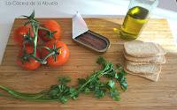 Canapés anchoas tomate aperitivo