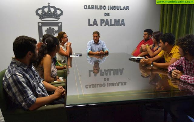 Mariano H. Zapata invita al Consejo Insular de la Juventud a formar parte del Consejo Social de La Palma