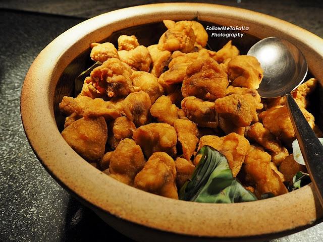 Tongkeng Ayam Goreng Tepung Fried Bishop Nose with Special Flour