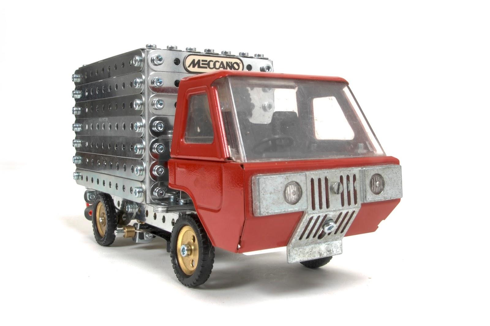 Ralph And Sue 39 S Meccano News Clockwork Truck
