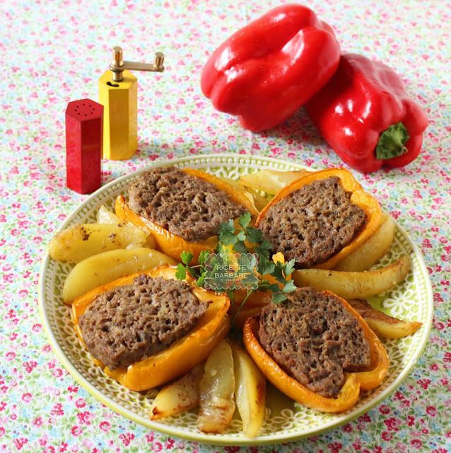 Peperoni ripieni al forno con patate