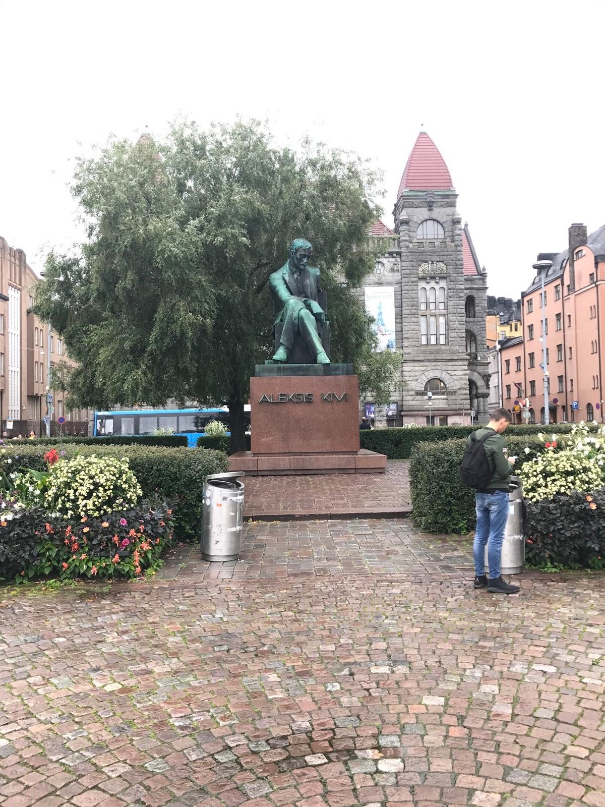 Estátua de Aleksis Kivi