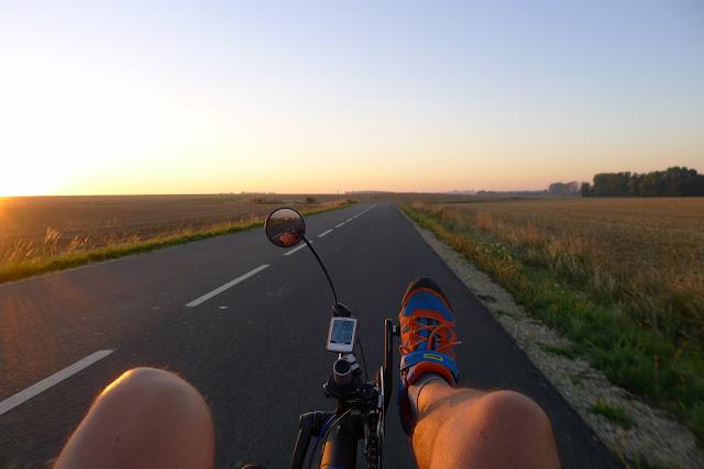 De Paris à la Rochelle en vélo couché, l'aurore