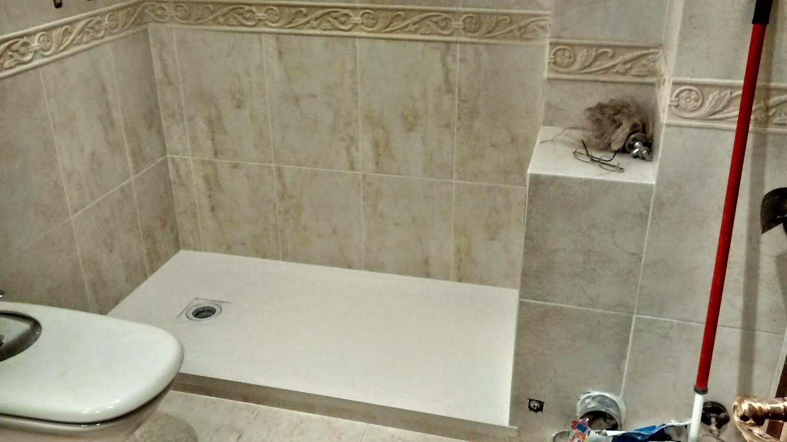 Baldosassa fotos e imagenes de platos de ducha for Instalar plato ducha resina
