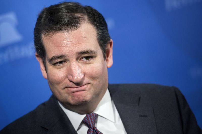 Amatora muri Amerika: Ted Cruz Yahagaritse ibikorwa byo kwiyamamaza
