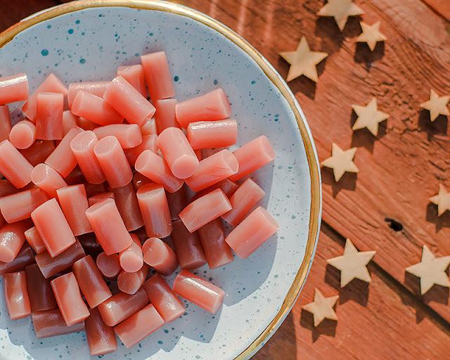 Лакричные конфеты с вкусом клубники  YumEarth, Organic Licorice, Strawberry, 5 oz (142 g)