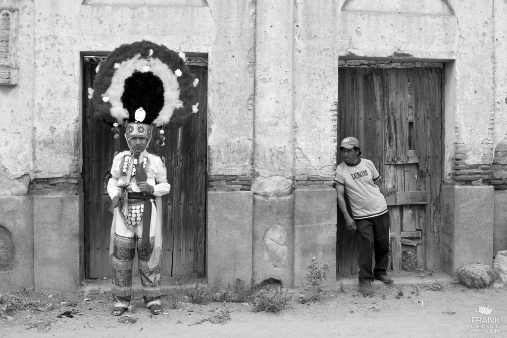 danzante de la pluma en Tlacochahuaya