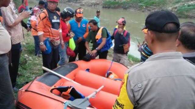 Setelah 21 jam Pencarian, Korban Tenggelam di Kali Bekasi Ditemukan
