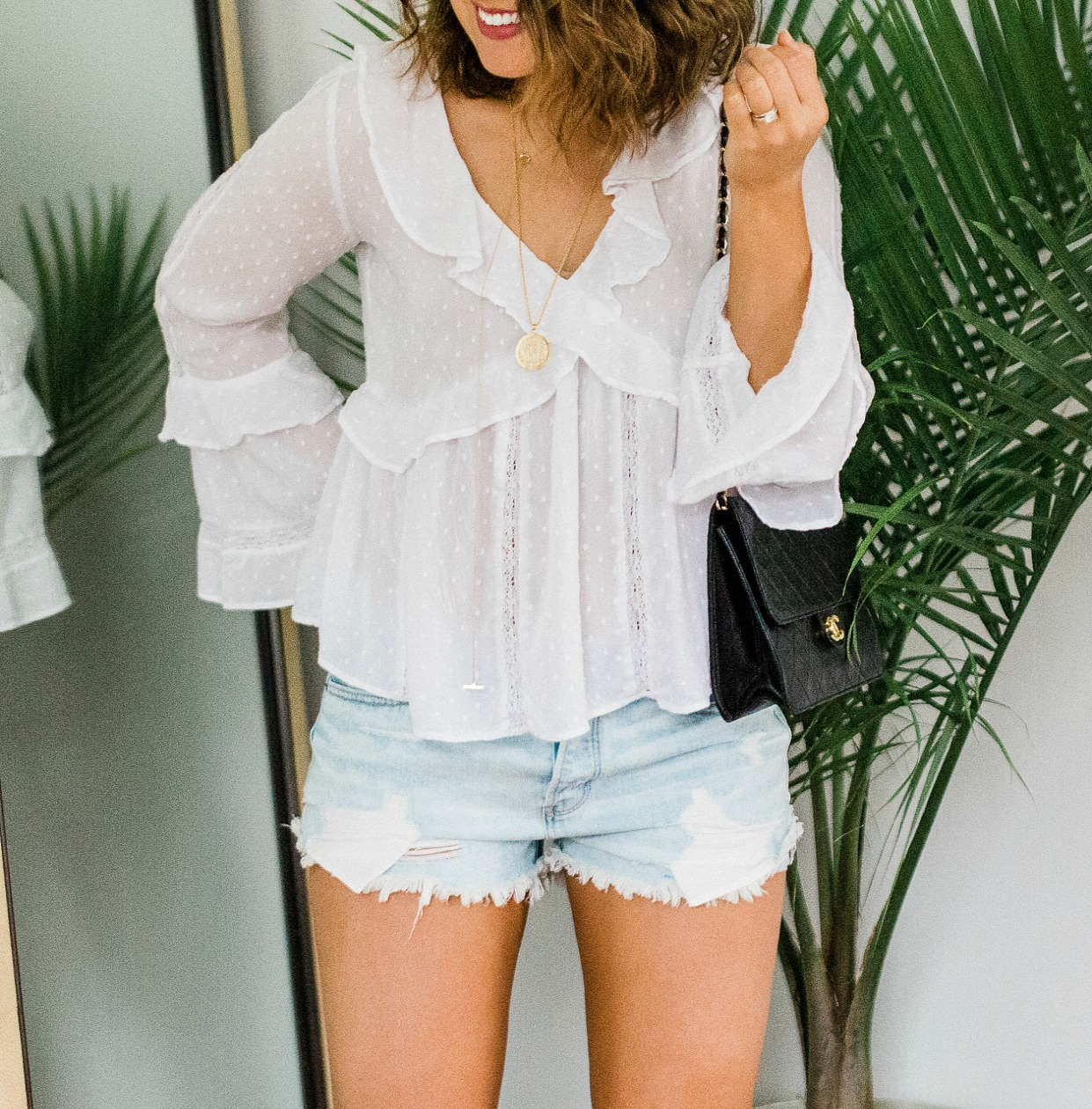 ae boho white blouse, ae tomgirl shorts, boho white blouse, xo samantha brooke, sam brooke photo, lifestyle blogger, white blouse shorts outfit, white blouse cutoffs outfit