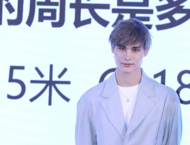 """Lelush (利路修) debutará como actor en """"中国冰雪 — 极致回旋"""""""