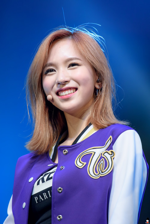 mina+smile2.jpg