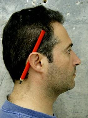 Resultado de imagen para lapiz en la oreja