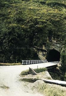 terowongan batu lubang tempo dulu