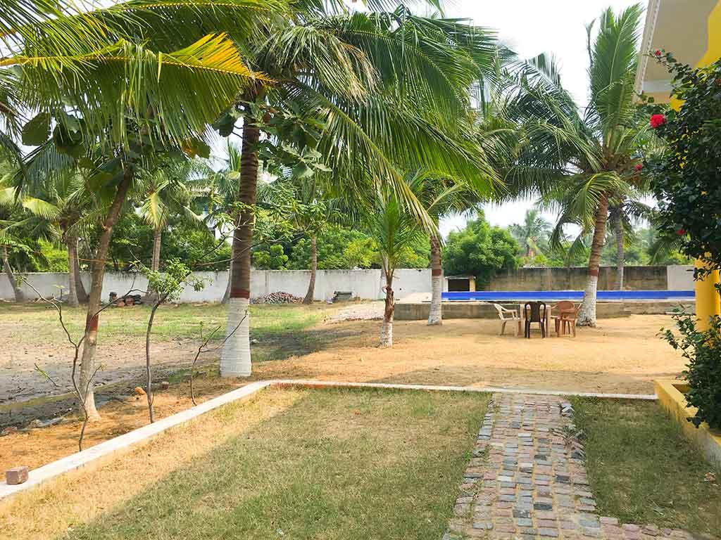 private farm house in ecr