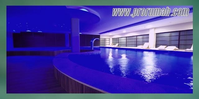 mempercantik desain kolam renang - menambahkan lampu under water