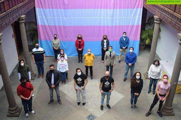 La campaña #ExigimosLaIgualdadTrans recorrerá España tras dar inicio ayer en La Palma