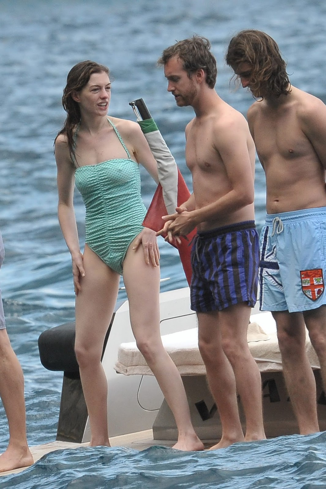 Anne hathway in bikini
