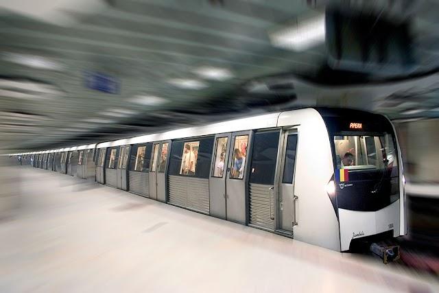 Cum circulă metroul în noaptea dintre ani...