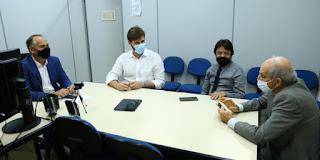 Bruno acerta com o juiz Alexandre Trineto detalhes da diplomação virtual, na próxima quinta-feira