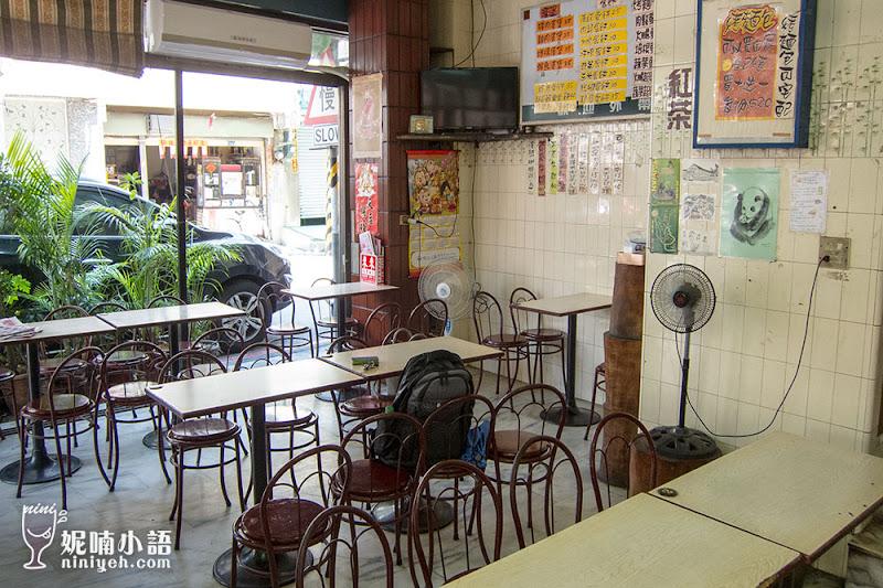 【岡山美食】新源發早餐店。翻轉小店的吐司蛋餅