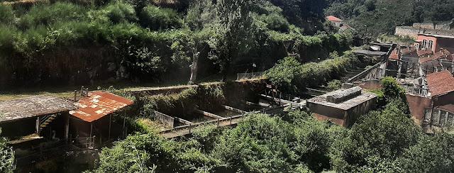 tanques de água utilizados pela antiga fábrica de fiação de Crestuma